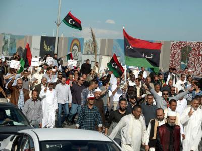 Mit einer friedlichen Demonstration wollten Bürger von Tripolis Milizen aus der libyschen Hauptstadt vertreiben. Bewaffneten schießen in die Menge. Foto Sabri Elmhedwi Foto: Sabri Elmhedwi