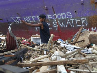 Bei der großen Zahl von Bedürftigen bleibt die Verteilung der Hilfsgüter eine schwierige Herausforderung. Foto: Nic Bothma