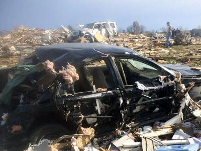 Besonders schwer wüteten Tornados im Bezirk Washington in Illinois. Foto: Anthony Khoury über Twitter