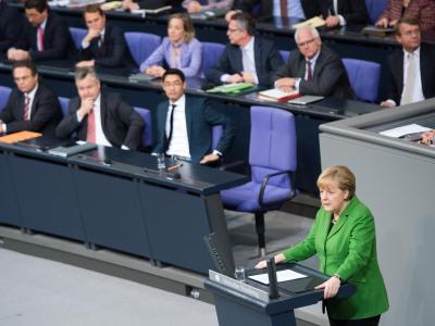 Bundeskanzlerin Merkel spricht im Bundestag. Foto: Maurizio Gambarini