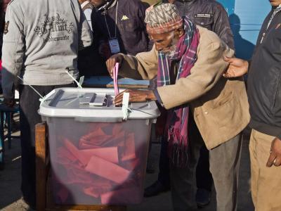 Rund 12,5 Millionen Menschen in Nepal sind aufgerufen, unter 122 Parteien diejenigen Abgeordneten zu wählen, die ein Grundgesetz ausarbeiten sollen. Foto: Narendra Shrestha