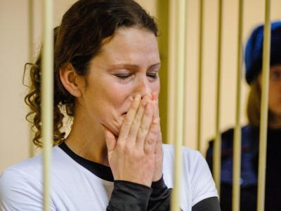 Die brasilianische Greenpeace-Aktivistin Ana Paula Alminhana Maciel vor Gericht in St. Petersburg. Foto: Vladimir Baryshev / Greenpeace International