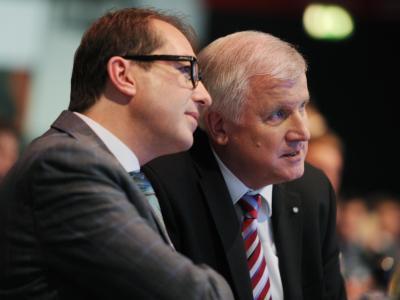 Machtzentrum der CSU: Der bayerische Ministerpräsident Horst Seehofer mit Generalsekretär Alexander Dobrindt. Foto: Tobias Hase
