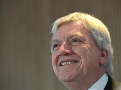 Hessens Ministerpräsident Volker Bouffier zu Beginn der gemeinsamen Sitzung von CDU-Landesvorstand und Landtagsfraktion im Landtag. Foto: Arne Dedert