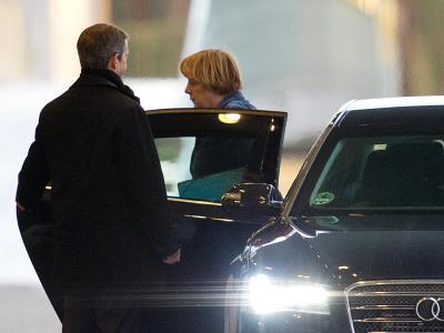 Angela Merkel kommt zum Treffen der Spitzen von CDU und CSU ins Kanzleramt. Foto: Maurizio Gambarini