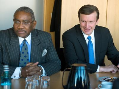 US-Senator Murphy (r) und der Kongressabgeordnete Meeks werden sich im Europaparlament den Fragen der Abgeordneten stellen. Foto: Maurizio Gambarini