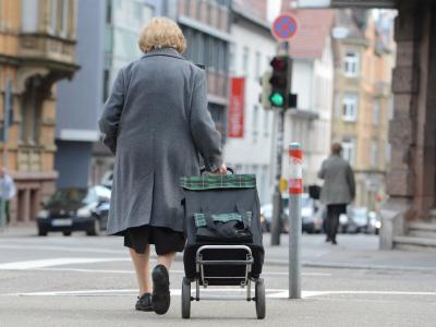 Wer aus Krankheitsgründen in Erwerbsminderungsrente gehen muss, soll deutlich besser gestellt werden als bisher. Foto: Franziska Kraufmann/Symbolbild