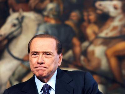 Verliert sein wichtigstes öffentliches Amt: Ex-Ministerpräsident Italiens, Silvio Berlusconi. Foto: Ettore Ferrari/Archiv