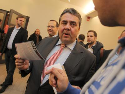 SPD-Chef Sigmar Gabriel wirbt bei der Regionalkonferenz in Hessen-Süd für den Koalitionsvertrag. Foto: Fredrik von Erichsen