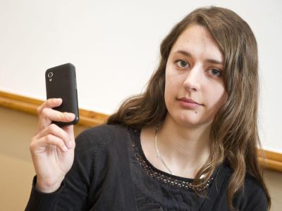 «Bodenlose Frechheit» - Katharina Nocun, Geschäftsführerin der Piratenpartei, ist empört über die Pläne von Union und SPD zur Vorratsdatenspeicherung. Foto: Ole Spata