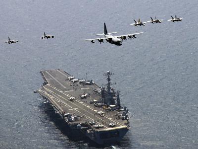 Ein US-Flugzeugträger im Meer östlich der koreanischen Halbinsel. Foto: MC3 CHARLES OKI/Archiv