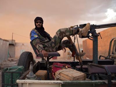 Ein Tuareg in der Stadt Kidal in Mali. Die MNLA hat den Waffenstillstand mit der Regierung aufgekündigt. Foto: Tanya Bindra/Archiv