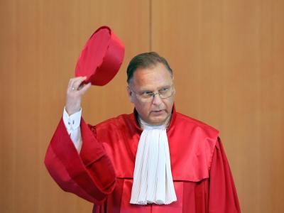Der frühere Verfassungsgerichts-Präsident Hans-Jürgen Papier plädiert dafür, extremistische Gesinnungen politisch zu bekämpfen. Foto: Uli Deck/Archiv