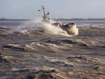 An den deutschen Küsten soll es stürmisch werden. Foto: Christian Charisius