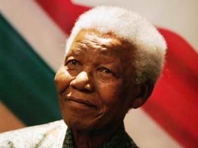 In der Trauer um den «Vater der Nation» sind die Südafrikaner vereint. Foto: Jon Hrusa