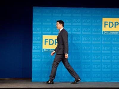 Dem amtierenden Bundeswirtschaftsminister Philipp Rösler wird die Wahlniederlage der FDP angelastet. Foto: Kay Nietfeld