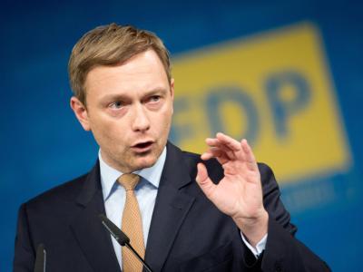 Der neue FDP-Vorsitzende Christian Lindner fordert von seiner Partei ein «Ende der Trauerarbeit». Foto: Kay Nietfeld
