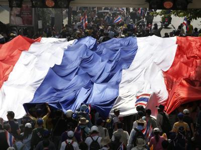 Mehr als hunderttausend Demonstranten zogen durch Bangkok. Foto: Barbara Walton