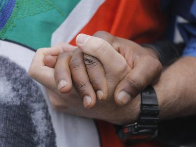 Südafrika ist vereint in der Trauer um Nelson Mandela.Foto: Kim Ludbrook