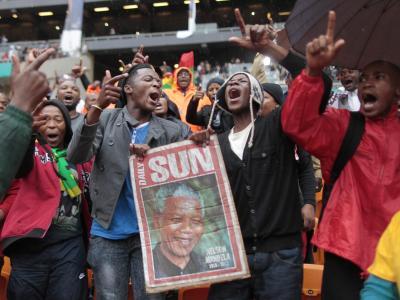 Momentaufnahme vom Ort der zentralen Tauerfeier, dem FNB-Stadion in Johannesburg.Foto: Dai Kurokawa
