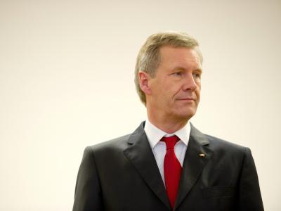 Ex-Bundespräsident Christian Wulff muss sich im Landgericht in Hannover wegen Vorteilsannahme verantworten. Foto: Christoph Schmidt