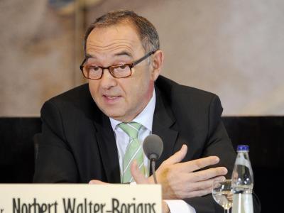 Norbert Walter-Borjans: Eine Rente mit 63 «ist angesichts der Besonderheiten im Beamtenrecht sachlich nicht geboten». Foto: Uli Deck/Archiv