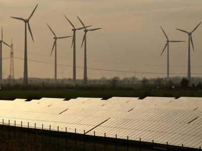 Der neuen Bundesregierung droht Ärger aus Brüssel - die Kommission will gegen die Industrierabatte bei der Energiewende vorgehen. Foto: Jan Woitas/Archiv