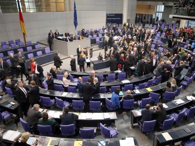 Die Opposition stellt nur noch ein Fünftel der Abgeordneten im Bundestag dar. Damit ist ihr Spielraum für Kritik und Kontrolle stark eingeschränkt. Foto: Hannibal