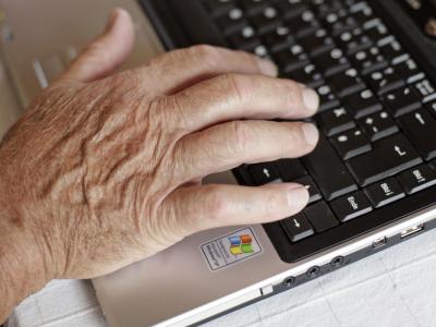 Tausende Betroffene der jüngsten Abmahnwelle wegen vermeintlich illegaler Porno-Clips im Netz können möglicherweise am Ende doch noch aufatmen. In dem Fall handelt es sich gar nicht um Urheberrechtsverstöße, sagt ein Göttinger Medienrechtsexperte. Foto: A