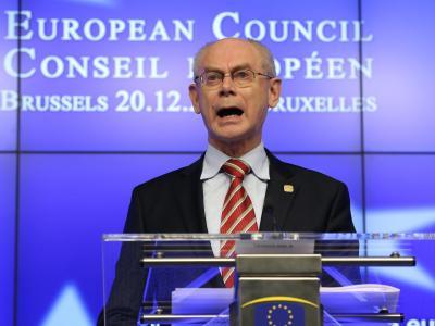 EU-Ratspräsident Herman Van Rompuy spricht auf dem EU-Gipfel. Foto: Julien Warnand