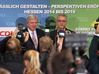 Volker Bouffier und Tarek Al-Wazir im Landtag in Wiesbaden. Foto: Fredrik von Erichsen