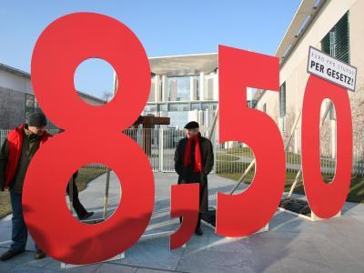8,50 Euro Mindestlohn - Das Gesetz soll ab 2015 wirksam werden. Foto: Stephanie Pilick/Archiv