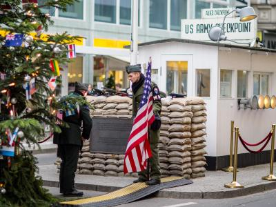 Der Checkpoint Charlie in Berlin. Foto: Hannibal