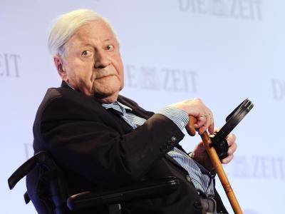 Altkanzler Helmut Schmidt wir am 23. Dezember 2013 95 Jahre alt. Foto: Angelika Warmuth