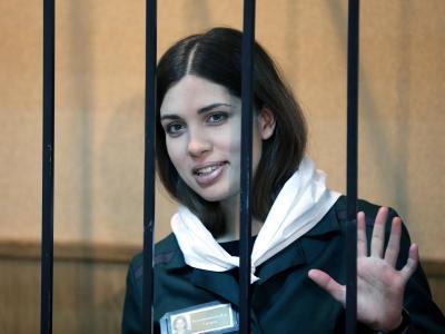 Die Aktivistin Nadeschda Tolokonnikowa von der Punkband Pussy Riot im Gericht der russischen Teilrepublik Mordwinien. Foto: Maxim Shipenkov/Archiv