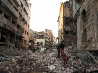 Aufräumarbeiten nach dem Bombenanschlag:Die Regierung macht islamistische Extremisten für das Attentag verantwortlich. Foto: Ahmed Ashraf