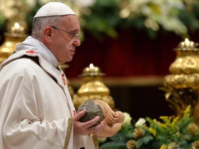 Papst Franziskus leitet die Christmette in Rom. Foto: Ettore Ferrari