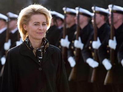 Der Bundeswehrverband mahnt zur Eile. Ministerin von der Leyen werde keine 100 Tage Schonzeit haben. Foto: Maurizio Gambarini