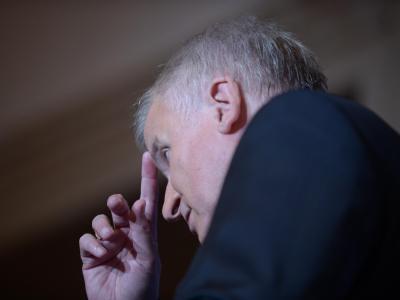Bayerns Ministerpräsident Horst Seehofer. Der CSU-Vorstoß wird vom Koalitionspartner SPD scharf kritisiert. Foto: Andreas Gebert