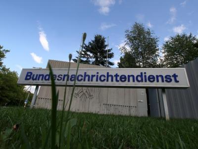 Der BND hat 2012 deutlich weniger Mails, Telefonate, Faxe und SMS überwacht als in den Jahren zuvor. Foto: Stephan Jansen