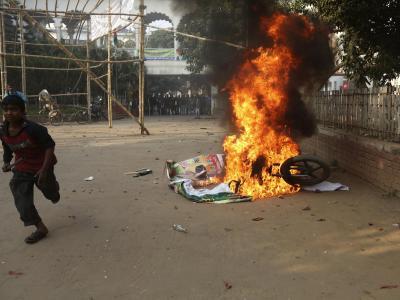 Die Parlamentswahl in Bangladesch steht im Zeichen von Protesten und schwerer Konflikte zwischen Regierung und Opposition. Foto: Abir Abdullah
