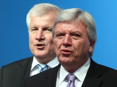 CSU-Chef Seehofer und Hessens Ministerpräsident Bouffier im Herbst vergangenen Jahres. Foto: Frank Rumpenhorst