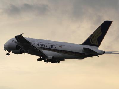 Wegen eines Druckabfalls ist ein Airbus A380 mit fast 500 Menschen außerplanmäßig in Aserbaidschan gelandet. Foto: Stephen Morrison