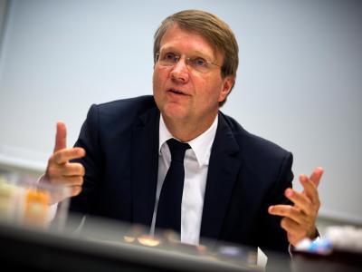 Der ehemalige Kanzleramtsminister Ronald Pofalla im Janura 2013 während eines Interviews in Berlin. Foto: Michael Kappeler/Archiv