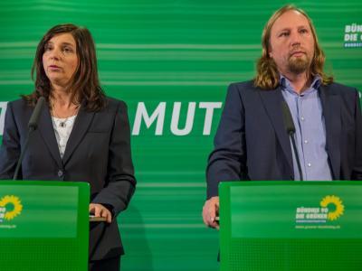 Die Fraktionsvorsitzenden Katrin Göring-Eckardt und Anton Hofreiter: Die Grünen wollen nicht mehr als Überregulierer und Rechthaber gelten. Foto: Michael Reichel