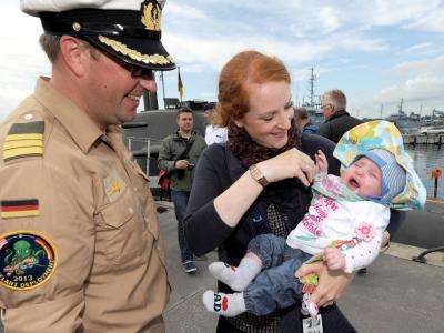 Verteidigungsministerin von der Leyen will die Bundeswehr familienfreundlicher machen. Foto: Carsten Rehder