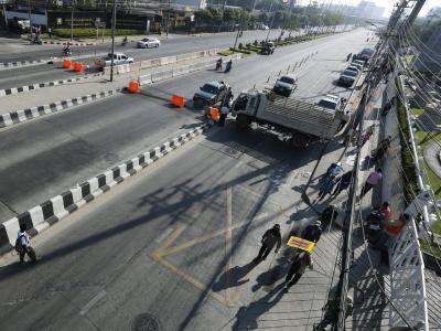 Die Demonstranten haben strategisch wichtige Verkehrsknotenpunkte im Visier. Foto: Narong Sangnak