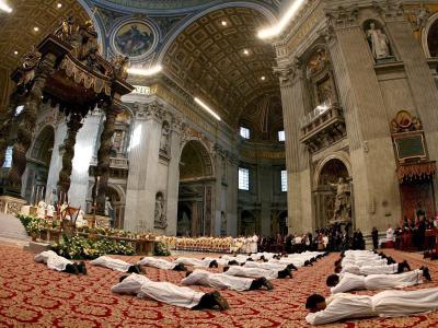 Priesterweihe im Vatikan