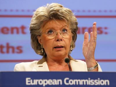 EU-Kommissarin Viviane Reding hält die Sozialsysteme in manchen Ländern für zu großzügig. Foto: Julien Warnand(Archiv