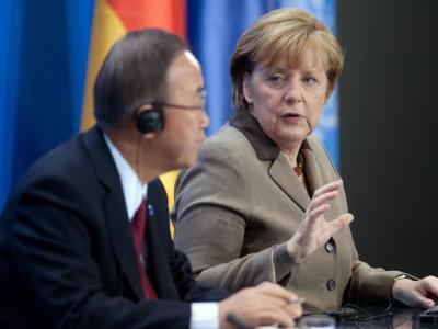 Kanzlerin Merkel und UN-Generalsekretär Ban Ki Moon bei der Pressekonferenz im Bundeskanzleramt. Foto: Maurizio Gambarini